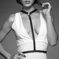 Fetiš a BDSM oblečení: Řemínkový postroj MAZE Y-Harness (Bijoux Indiscrets)