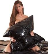 Lakované ložní prádlo (lack, vinyl): Lakovaný (vinylový) povlak na polštář (černý)