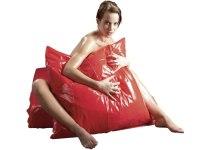 Lakované ložní prádlo (lack, vinyl): Lakovaný (vinylový) povlak na polštář (červený)